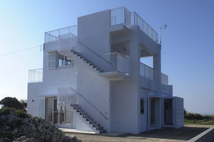 外観 二階建住宅 外階段
